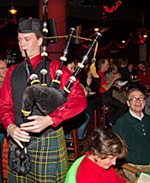 Bagpiper at the Pub Sing
